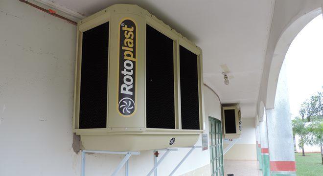 Centro de Múltiplo Uso ganha climatizadores utilizados para os dias de muito calor em Deodápolis