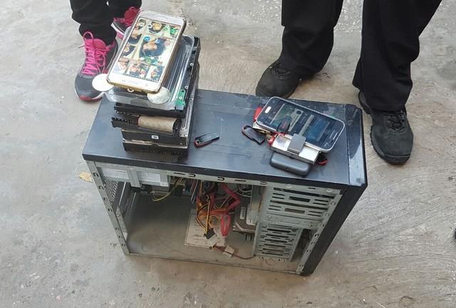 Polícia apreendeu equipamentos eletrônicos na residência do suspeito (Foto: Divulgação/Polícia Civil)