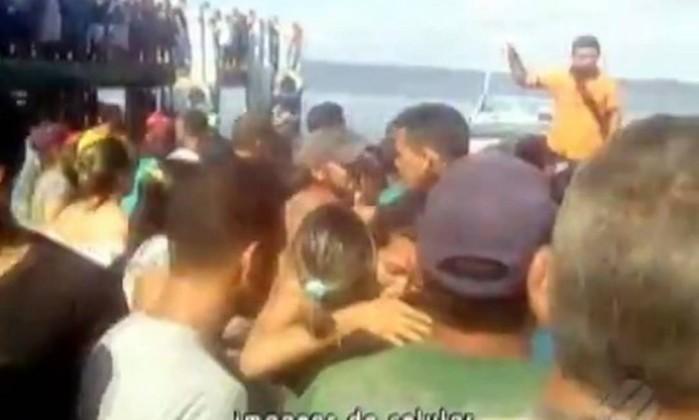 Navio naufraga no Pará e deixa vítimas - Reprodução/TV Globo