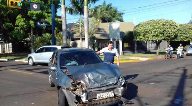 Veículo carregado com maconha se envolveu em acidente - Fotos: Osvaldo Duarte