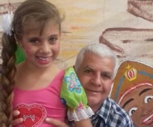 Anielle mostra o cabelo comprido ao lado do pai, Adalberto - Foto: Divulgação/Sedhast