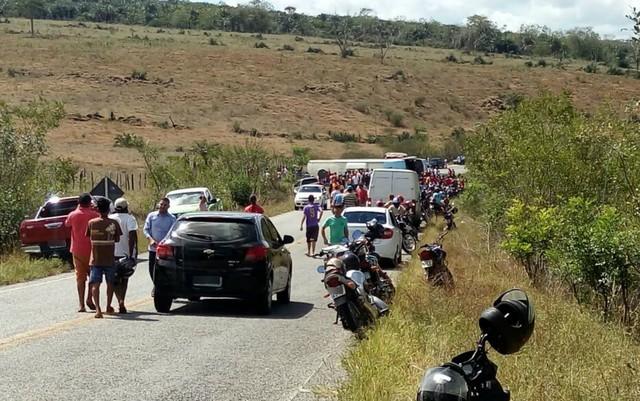 Segundo a PRE, ônibus partiu de Itaberaba e tinha como destino a cidade de Jacobina (Foto: Reprodução/Mídias Sociais)