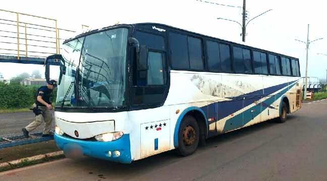 Veículo estava carregado com eletrônicos contrabandeados - Crédito: Divulgação/PRF i