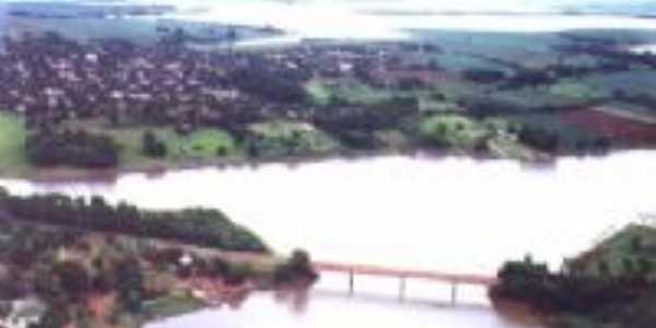 Ponte de Primeiro de Maio (Imagem: Google)