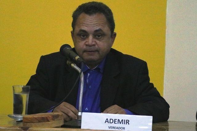 Vereador Ademir assume presidência da câmara - Foto: Ivinotícias