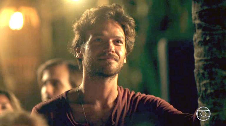 Cinegrafista vaza em cena de 'Segundo sol' e vira piada na web
