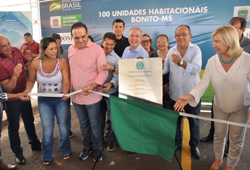 Governo estadual e prefeitura entregam Residencial Rio Bonito I com 100 Casas em Bonito (MS) - Fátima News